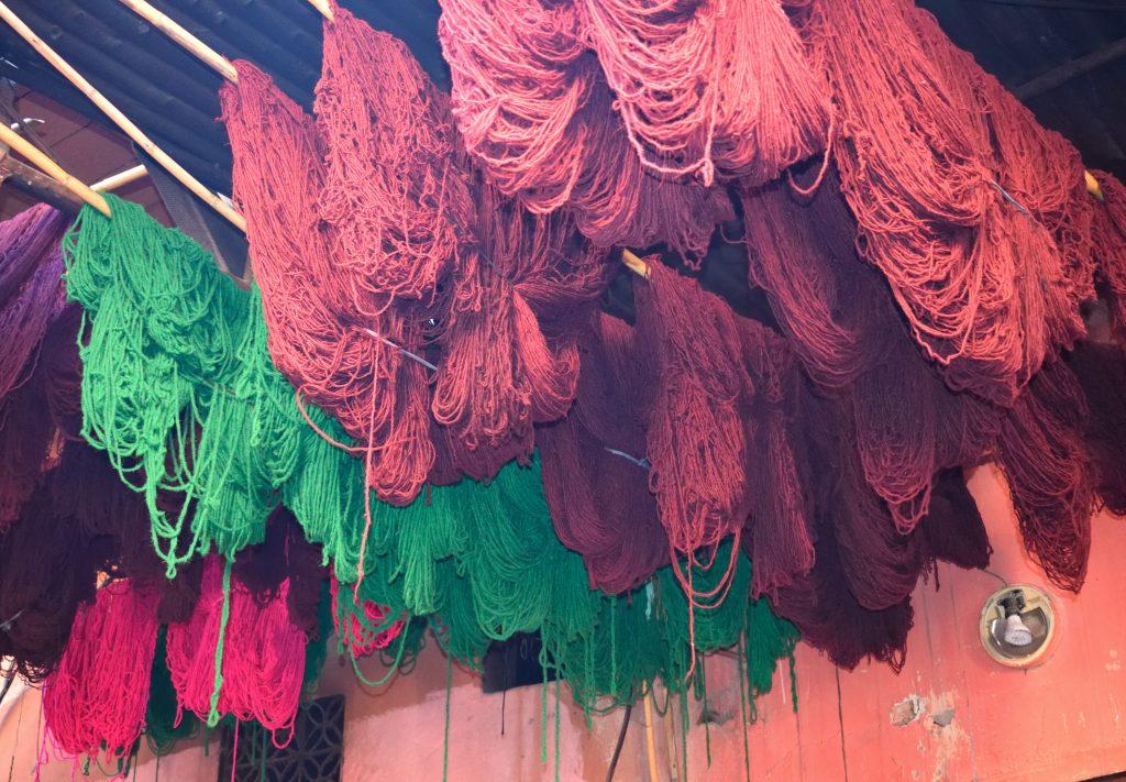 souk tintori marrakech matasse colorate lana