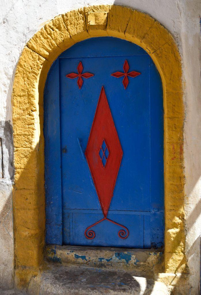 porticina gialla azzurra decori rossi essaouira marocco