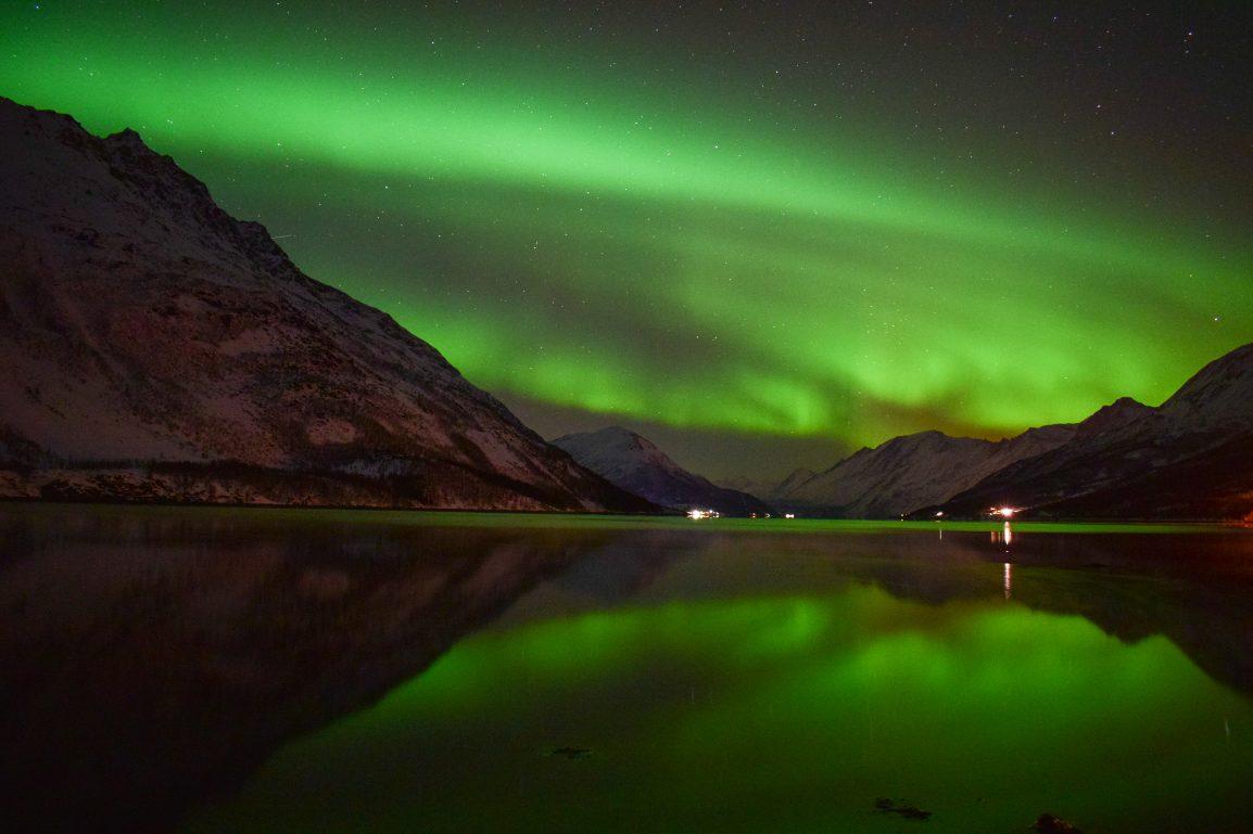 cielo verde stellato aurora boreale norvegese