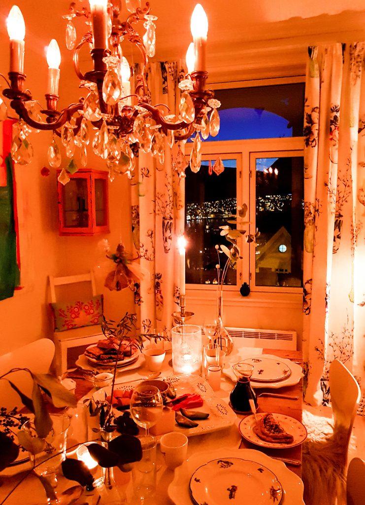colazione norvegese a lume di candela