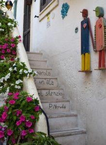 Poesie sulle scale di Polignano